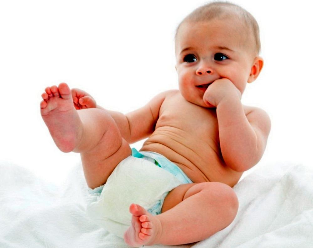 Когда может понадобиться детский крем под подгузник?