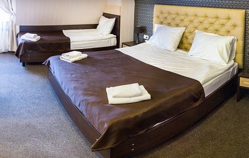 Как забронировать трехместный номер в гостинице в Москве?