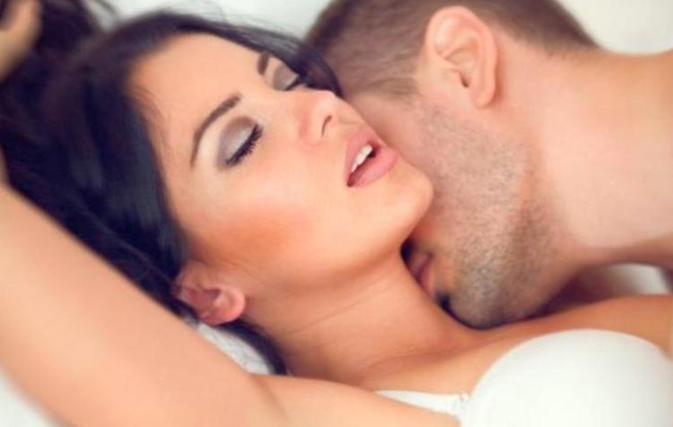 Как испытать новые ощущения в интимной жизни?