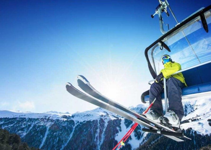 Где в Челябинске выбрать сноуборд или лыжи?