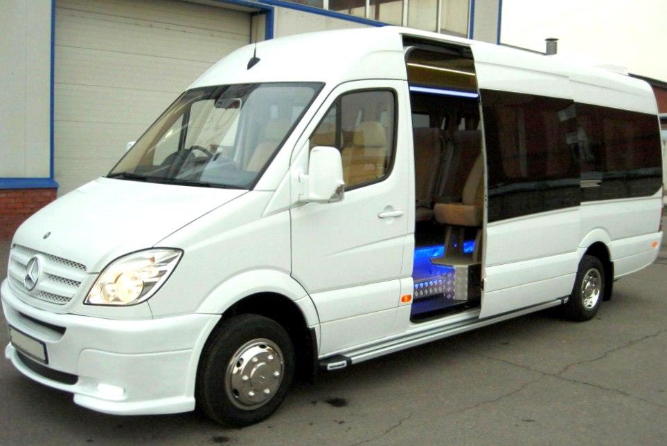 Как заказать микроавтобус в аренду с водителем?