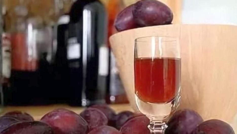 Как сделать вино из сливы?