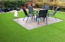 Каковы преимущества искусственного газона перед обычной травой?